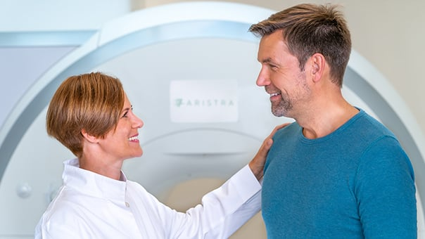 Radiologist Annika Kowoll with a patient